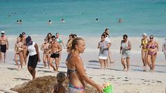2015-12-07_12-18-15_ILCE-7M2_DSC01981 (Miguel Discart (Photos Vrac)) Tags: 100mm 2015 bavaro beach candidportrait candide candideportrait dominicanrepublic fe24240mmf3563oss female femme focallength100mm focallengthin35mmformat100mm girls holiday homme ilce7m2 iso100 landscape maillot maillotdebain man men messieurs monsieur plage republiquedominicaine sony sonyilce7m2 sonyilce7m2fe24240mmf3563oss sport swimsuit travel vacances voyage woman women