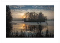 sunrise island (Hans Zitzler) Tags: lake pond island winter morning bavaria oberpfalz sky clouds dawn melting ice frozen