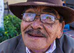 Street Portrait (klauslang99) Tags: klauslang portrait man glasses face queretaro mexico street