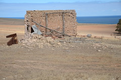 DSC_9691 farm ruins, Myponga Beach Road, Myponga Beach, South Australia (johnjennings995) Tags: mypongabeach ruin abandoned southaustralia australia farmhouse derelict