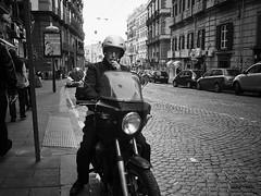 ready to start (Erwin Vindl) Tags: readytostart streetphotography streettogs candid blackandwhite monochrome napoli erwinvindl olympusomd em10markii