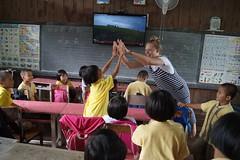 Soutenez le droit à l'éducation des enfants en Asie avec une ONG française (infoglobalong) Tags: stage étudiant service bénévolat volontaire international engagement solidaire voyage découverte enseignement éducation école enfants aide alphabétisation scolaire asie thaïlande jeux sport art informatique rénovations