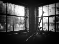 Cornered (LUMEN SCRIPT) Tags: urbex monochrome light window dark abandoned decay