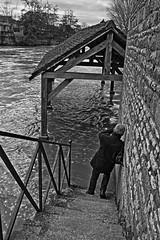 Faut il lavoir (en) crue ? (Tonton Gilles) Tags: alençon normandie hdr noir et blanc lavoir rivière sarthe rue de crue gué le lutin decouves personnage rambarde escaliers scène