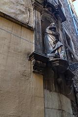 Barcelone-157 (bonacherajf) Tags: barcelona barcelone catalogne catalunya espagne spagna architecture chouette quartiergothique statue monument