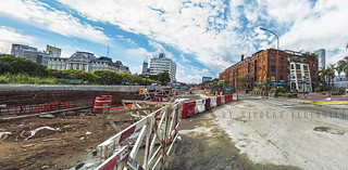The work of the trench is developed along Puerto Madero