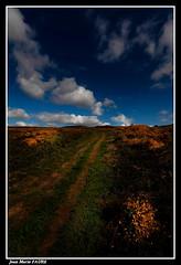 Chemin Côtier en Bretagne... (faurejm29) Tags: faurejm29 canon ciel chemin sigma sky nature nuages paysage landscape