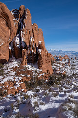 Fins in the snow (Bill Bowman) Tags: coloradoplateau archesnationalpark mantilasalmountains rockfins snow winterinthedesert
