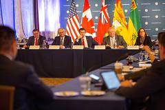 Canada's Premiers/les premiers ministres des provinces et territoires participate in a roundtable with U.S. business leaders/participent à une table-ronde avec des chefs d'entreprises des É-U