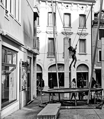 soar in the air (Franco-Iannello) Tags: streetphotography blackwhite people