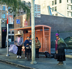 urban sombrero (Maureen Bond) Tags: ca maureenbond losangeles streetphotography onthestreet busstop metro people color purple hat sombrero j peterman catalog the that almost became real bags waiting bigoldpoleinmyway seinfeldurbansombrero