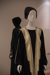 Contemporary Muslim Fashions im MAK- PK-bw_20190403_8483.jpg (Barbara Walzer) Tags: 030419 contemporarymuslimfashions mak museumangewandtekunstfrankfurt