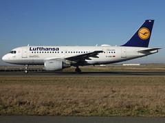 "D-AIBG, Airbus A319-112, c/n 4841, Deutsche Lufthansa AG., ""Kirchheim unter Teck"", CDG/LFPG 2019-02-15, taxiway Alpha-Mike. (alaindurandpatrick) Tags: cn4841 daibg a319 a319100 airbus airbusa319 airbusa319100 microbus jetliners airliners lh dlh lufthansa deutschelufthansa airlines cdg lfpg parisroissycdg airports aviationphotography"