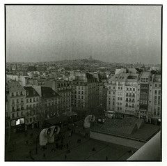 View from Centre Pompidou (Tamakorox) Tags: france paris pompidou contemporaryart modernart bergger japan japanese lights shadow film filmphotography analoguecamera b&w zenzabronicas2 kodaktmax400 パリ フランス ポンピドーセンター ポンピドー ベルゲール ゼンザブロニカ ブロニカs2 日本 日本人