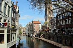 Oudegracht, Utrecht (Davydutchy) Tags: utrecht nederland netherlands niederlande paysbas holland dutch oudegracht gracht canal waterway kade quai kai anlegestelle kano canoe paddelboot kanu canoë roeier kanoër balkon balcony magazijn devlijt march 2019