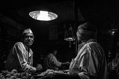 Mumbai (C) (manuela.martin) Tags: mumbai india bw blackandwhite schwarzundweis streetphotography hipshots leicammonochrom leica leicam