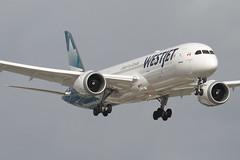 WestJet Boeing 787-9 Dreamliner (cjb_photography) Tags: airport plane planespotting planespotter airplanes yyz cyyz torontoclicks torontoguardian blogto airliners boeing boeing7879dreamliner