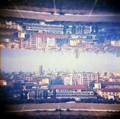 [La Mia Città] vista dalla nuova Torre della Fondazione Prada (Urca) Tags: holgalomo201810240006 milano italia 2018 holga lomo doppiaesposizione doubleexposure analog analogico 120 6x6 square medium multi film filmisnotdead toycamera