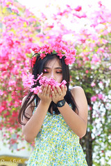 IMG_2661 (Sharmila Padilla) Tags: flowers lady canon portrait ladies balloon outside play pinkflowers pink photography street modes happy joy smile pretty sports white road makeup