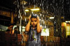 Menina (Eliseu Assis) Tags: água chuva banho açutuba manaus amazonas brasil iranduba canon canont6 documental lightroom 1855mm 50mm ribeirinha criança