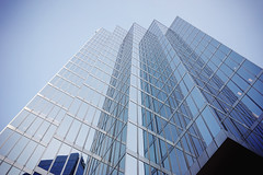 Silvery blue (Eric Flexyourhead) Tags: vancouver canada britishcolumbia bc downtown burrardstreet commerceplace cibc city urban detail fragment building tower architecture architecturephotography glass reflections steel silver shiny sky clear blue bluesky blueskies sonyalphaa7 zeisssonnartfe35mmf28za zeiss 35mmf28