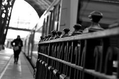 Aquel tren que debí coger... (Osruha) Tags: viajes viatges travel estaciondefrancia estaciódefrança francestation barcelona barna bcn cataluña catalunya catalonia españa espanya spain blancoynegro blancinegre blackandwhite bw bn bnw monocromo monochrome monocrom nikon nikonistas nikond750 d750
