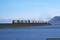 Western Pacific's Great Salt Lake Causeway (jamesbelmont) Tags: unionpacific westernpacific npmiv greatsaltlake granstville utah burmester oquirrhmountains ge c408 emd sd70m demonstrator railroad railway locomotive automobiles autorack