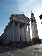 San Pietro In Gu - Italy February 2019 (sean and nina) Tags: s san pietro gu italy italia italian eu europe european building architecture church war memorial tower statue clock bell blue sky february 2019 visit visitor village town square street public candid monument remembrance world one two 1 2 ii catholic christian chapel
