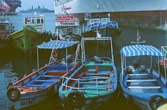 Turismo (-Chack-) Tags: flickr chile film analoge 50mmf18 analogue dubblefilm antigüedades puerto canon valparaiso canonae1 analog latinoamerica monsoon analogo dubble vacaciones valparaíso canonae1program