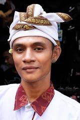 Portrait d'un Balinai. (jmboyer) Tags: ba7302 bali ©jmboyer indonesie portrait indonésie asie asia travel canon géo