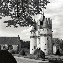 Château de Frazé - Eure-et-Loir (Philippe_28) Tags: frazé 28 france eureetloir europe château castle perche zeiss ikon ikoflex medium format 120 tlr moyen analog argentique