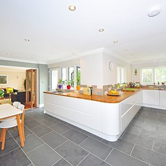 Love these long kitchens with plenty endless work space, lots of light. The color contrast between the floor tiles and the white kitchen highlights it perfectly, What do you think? #kitchendesign #kitchenlife #kitchendecor #kitcheninspo #kitchens #woodwor (CoolHomeStyling) Tags: instagram ifttt