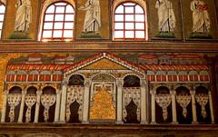Ravenna - Sant'Apollinare Nuovo 3 (antonella galardi) Tags: emilia romagna ravenna 2018 natale mosaici paleocristiano bizantino santapollinarenuovo chiesa