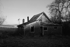 Abandoned Farmhouse, Eastern Washington (austin granger) Tags: abandoned farmhouse washington palouse impermanence time ruin death film morning gw690