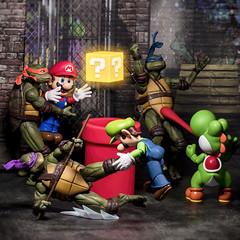 Mario vs Turtles (Jezbags) Tags: retro mario superhero nintendo turtles teenagemutantninjaturtles tmnt canon canon80d 80d 100mm macro macrophotography macrodreams toy toys neca bandai fight battle
