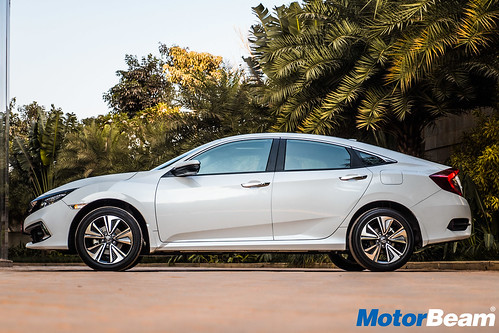 2019-Honda-Civic-1
