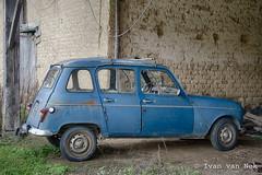 Renault 4 (Ivan van Nek) Tags: hautegaronne 31 france occitanie midipyrénées frankrijk frankreich nikon nikond7200 d7200 renault renault4 rusty car voiture pkw auto wagen bil coche