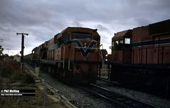 4128 N1877 NA1874 and NA1871 Mundijong (RailWA) Tags: railwa philmelling westrail 1983 n1877 na1874 na1871 exchanging staff mundijong