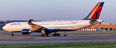 MSP N829NW (Moments In Flight) Tags: minneapolisstpaulinternationalairport msp kmsp mspairport aviation avgeek airplane airbus a330 a333 a330302 n829nw dal1492 hnlmsp deltaairlines