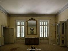 Château de la patience. (steflgs) Tags: urbex rurex patience decay abandonedcastle
