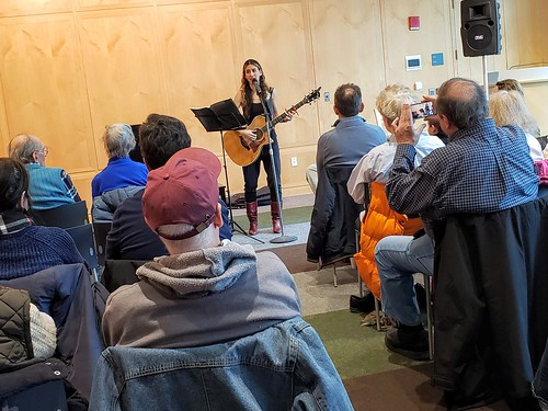 Sunday Music Brunch with Sheri Miller