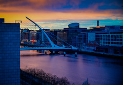 Morning Sunrise viewed from the Hilton Garden Inn - Dublin Ireland (mbell1975) Tags: samuel beckett bridge storestreet dublin ireland ie morning sunrise viewed from hilton garden inn éire eire airlann poblacht na héireann irland irlanda irlande irish baile átha cliath river liffy water liffey