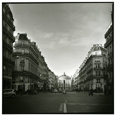A street in Paris (Tamakorox) Tags: france paris theopera lopéra bergger japan japanese lights shadow film filmphotography analoguecamera b&w zenzabronicas2 kodaktmax400 パリ フランス オペラ座 オペラ大通り ベルゲール ゼンザブロニカ ブロニカs2 日本 日本人 フィルム
