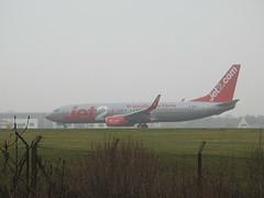 G-JZBL (S.G.J) Tags: lba leedsbradford airport plane aeroplane takeoff takingoff leeds bradford jet2 gjzbl