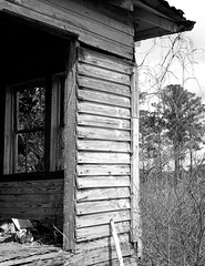 Chilton County, Alabama (RickC.) Tags: abandoned south homestead weathered agfa isolette folding 6x6 ilford fp4 ilfosol 120 bw bwfp alabama