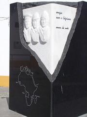 Memorial (rgrant_97) Tags: portugal algarve alcoutim fronteira border guadiana rio spring
