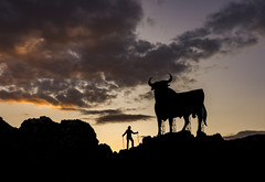 España es así. (ramoncallejo) Tags: toro españa spain sunset atardecer