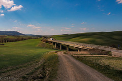 Val d'Orcia, Toscana, Italy (TMStorari) Tags: toscana tuscany valdorcia nature landscape italia italy sunset green colours sun sunlight paesaggi paesaggio landschaft landscapephotography driving truck highway roads strade campagna campagnatoscana countryside