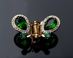 """Jewelry is the most transformative thing you can wear."""" (green mind art) Tags: jewelry gem emerald jewelryphotography productphotography productphotographer product green design designer macro macrophotography gemology canon"""