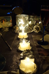 Frohe Weihnachten 2018 ... (Bock Survival Scout) Tags: fest feier tafel still leben kerze glas sekt silber stern essen gedeck weihnachten glaube warm flamme kultur christ 2018 sony dsc rx100i kult ritual blume papier licht alkohol anti deko islam